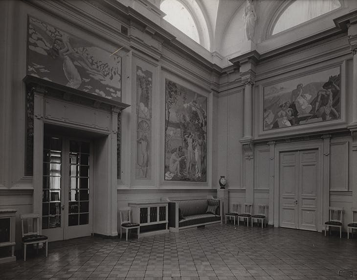 The Music Salon in Ivan Morozov's mansion on Prechistenka Street, Moscow, with L'Histoire de Psyché panels by Maurice Denis, published in the magazine Apollon in 1912.