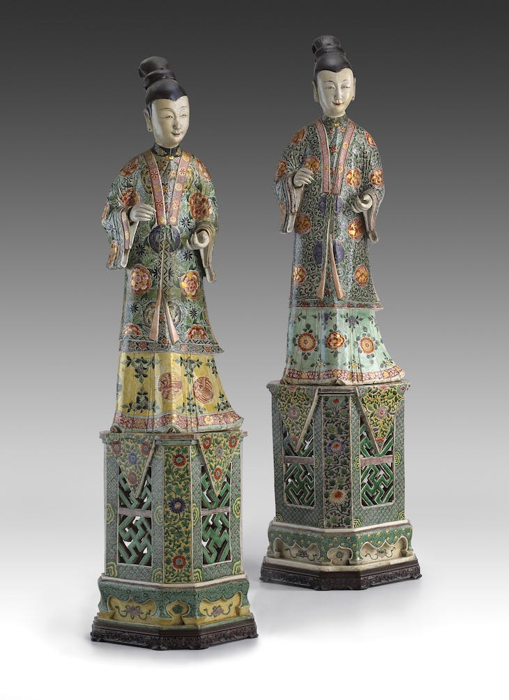 Two figures of ladies on stands (c. 1700), China.