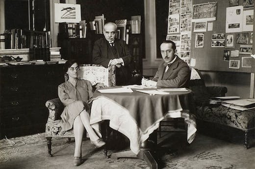 Aby Warburg (centre), with his assistants Gertrud Bing and Franz Alber, at the Palace Hotel, Rome, 1929.