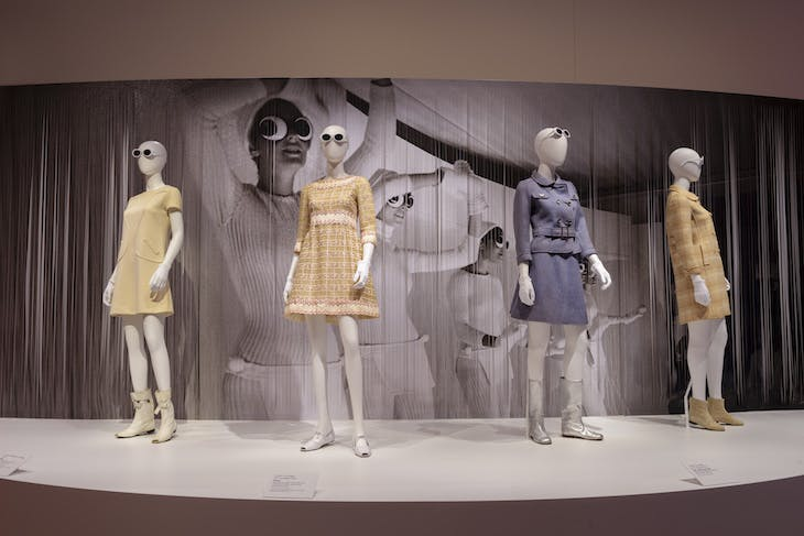 Installation view of 'Paris to Hollywood: The Fashion and Influence of Véronique and Gregory Peck'