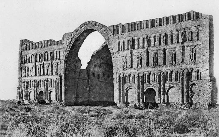 The Great Palace of the Sasanian kings (the Taq-e Kesra) (c. 6th–7th century), Aspanbar (present-day Iraq), photographed by Marcel Dieulafoy before 1888