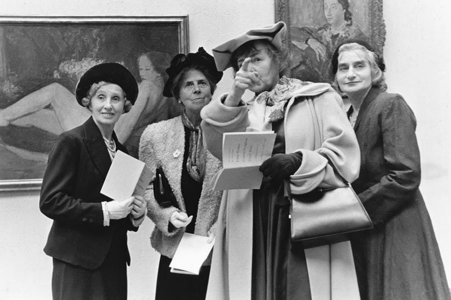 Dress circle: visitors to the Tate Gallery in 1957.