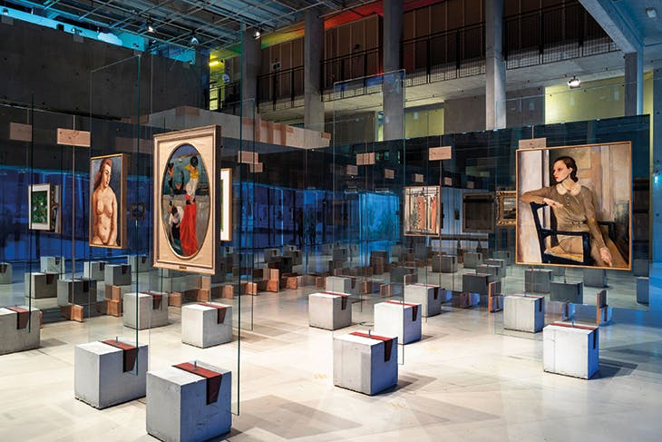 Installation view at Het Nieuwe Instituut, Rotterdam, showing the restaging of Lina Bo Bardi's display of the collection at the Museu de Arte de São Paulo
