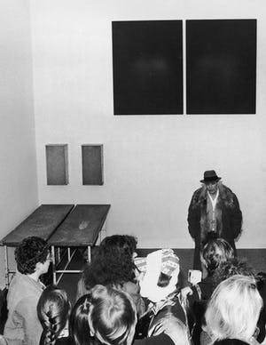 Joseph Beuys with his installation Show Your Wound (1976).