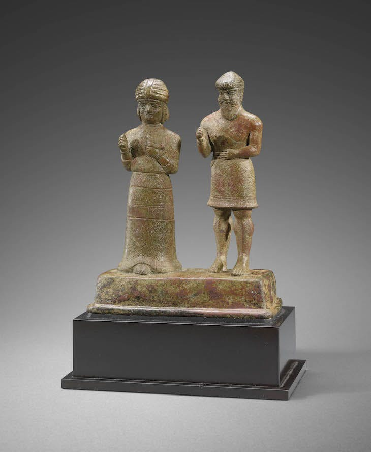 Group of two figures (1500–1100 BC), Iran. Photo © The Sarikhani Collection