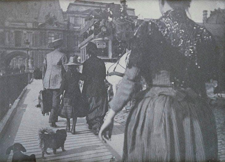 Personnages, deux chiens et calèche sur le pont (1885-1895), Henri Rivière.
