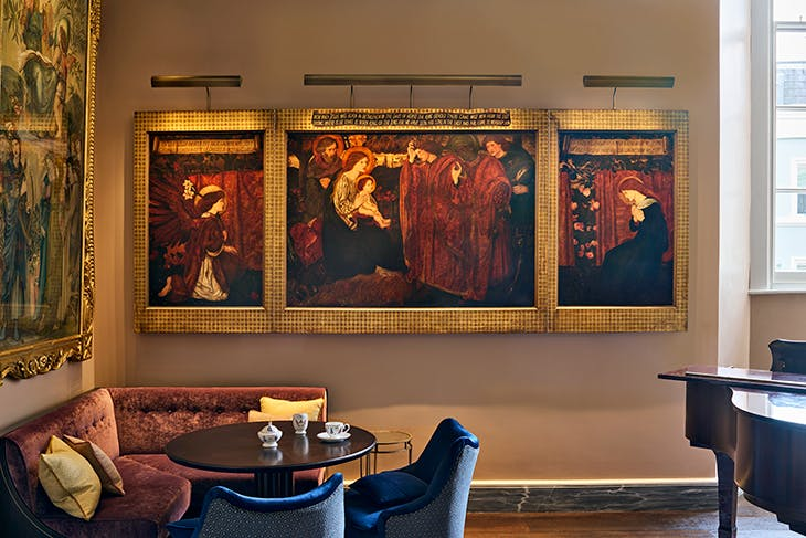On the far wall of the Pre-Raphaelite Room is Triptych: The Adoration of the Kings and the Annunciation (1860–61) by Edward Coley Burne-Jones.