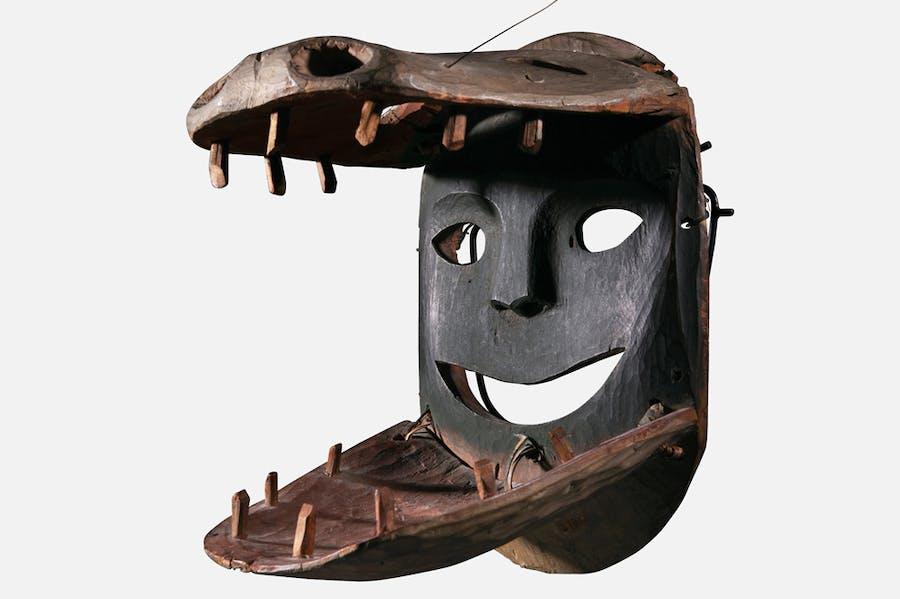 Shamanic transformation mask, late 19th century, Yup'ik Eskimo, Alaska. Galerie Flak (€75,000)