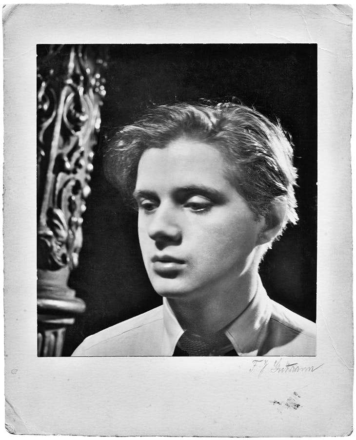 Francis Bacon photographed in his early twenties.